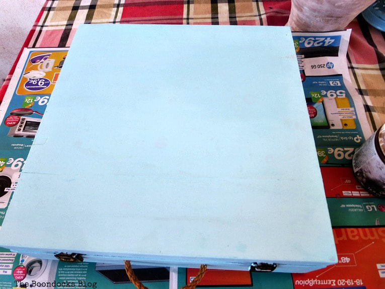 light turquoise color on the box, How to Give an