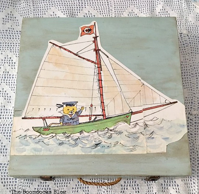 The top of the box with decoupage and brown wax, How to Give an