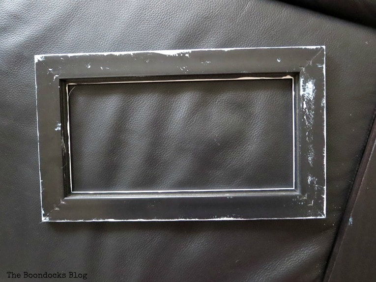 Back of Plastic picture frame, How to make Easy Wall Decor for the Holidays, www.theboondocksblog.com