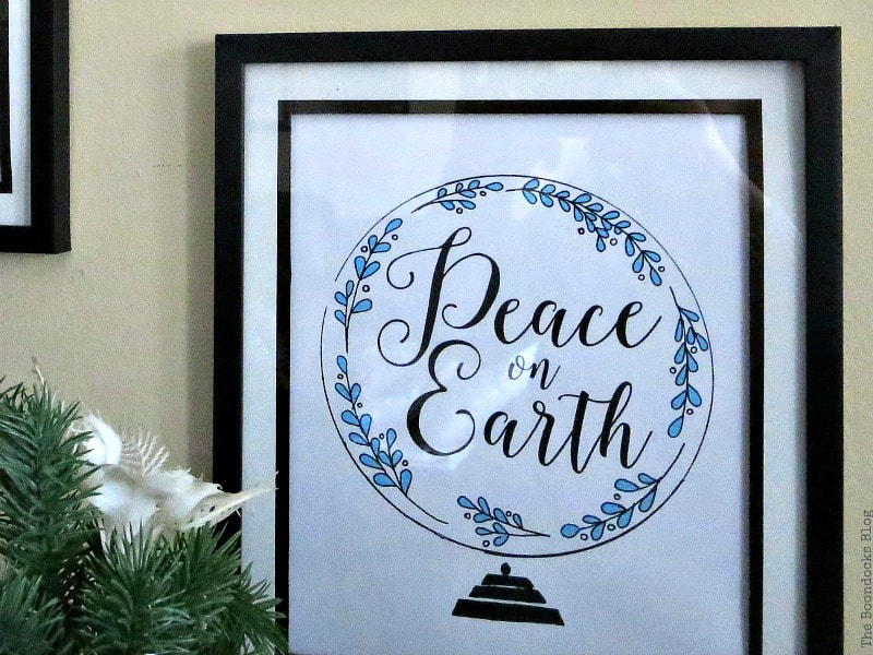 Peace on earth printable in picture frame, Photos of the Day for November and December www.theboondocksblog.com