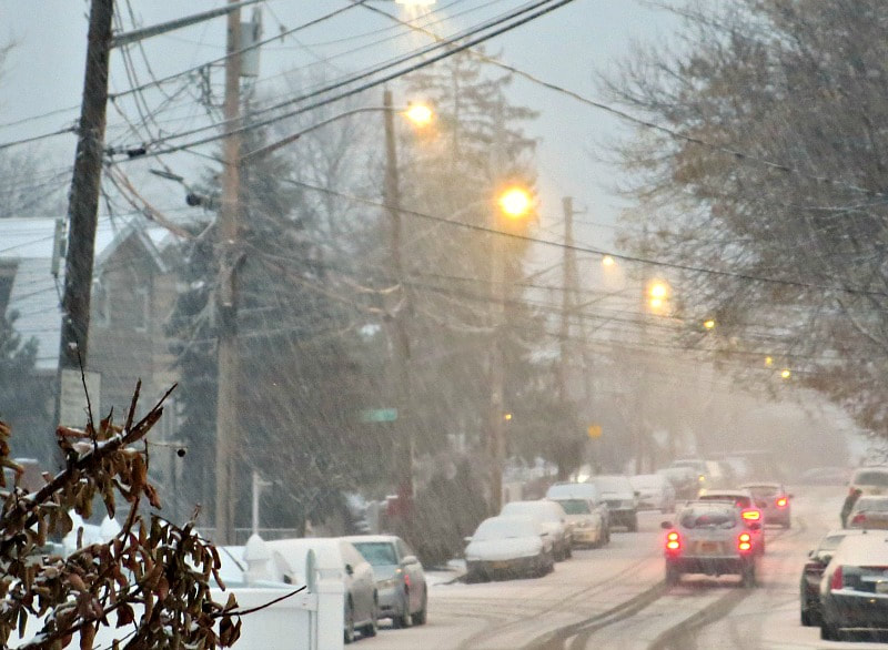 Snowing in the street, Photos of the Day for November and December www.theboondocksblog.com