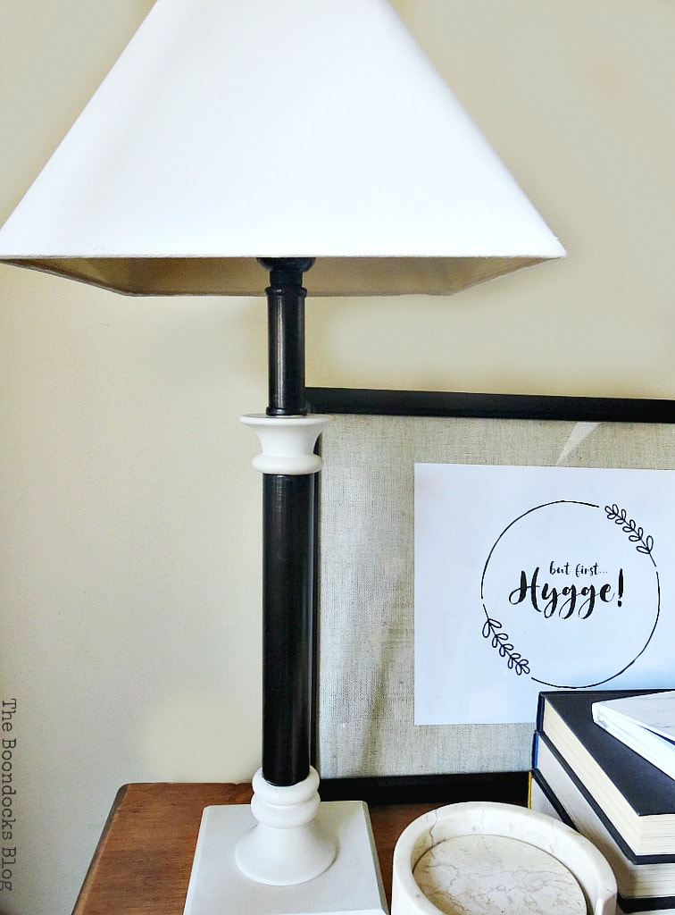upcycling old lamps with paint, How to Give a New Life to Old Lamps www.theboondocksblog.com