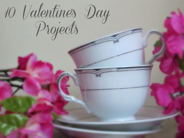 Logo for a round up of ten projects and valentine's day crafts.