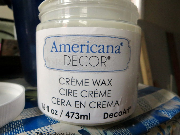 Americana Decor Creme Wax, How to get an Easy Worn Look for an Ikea Stool, www.theboondocksblog.com