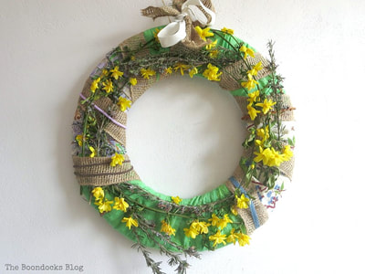 Wreath for spring using natural elements and fabric