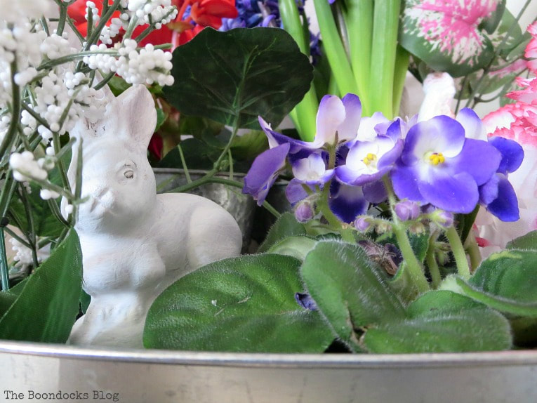 White ceramic bunny, How to Fake A Green Thumb with this Planter Box Idea, www.theboondocksblog.com