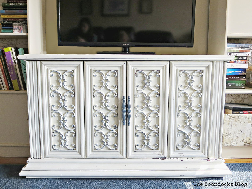 Seventies TV Cabinet used for storage and as TV Console, ,#furnituremakeover #Vintagefurniture #SeventiesTVCabinet #OldFashionedMilkPaint #TVCabinetasstorage #ScrollworkonTVCabinet How to Revive a Vintage TV Cabinet www.theboondocksblog.com