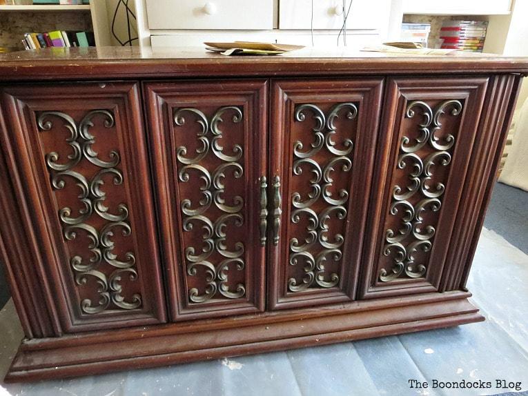 TV Cabinet Before, #furnituremakeover #Vintagefurniture #SeventiesTVCabinet #OldFashionedMilkPaint #TVCabinetasstorage #ScrollworkonTVCabinet How to Revive a Vintage TV Cabinet www.theboondocksblog.com