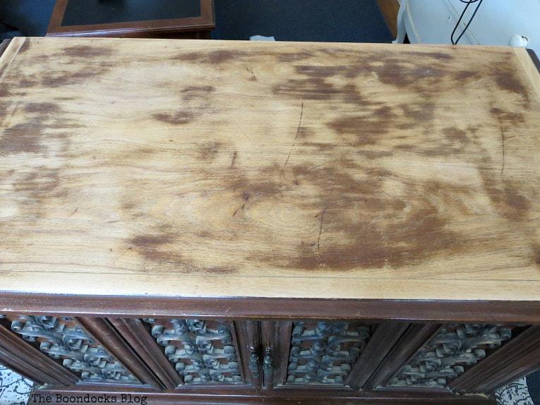 Top of cabinet sanded, How to Revive a Vintage TV Cabinet www.theboondocksblog.com