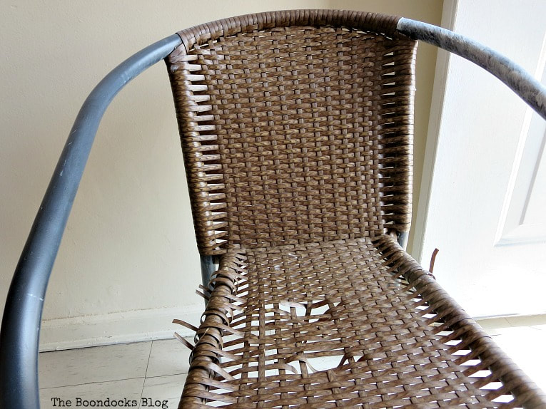Torn rattan chair, How to re-purpose a torn rattan chair, www.theboondocksblog.com