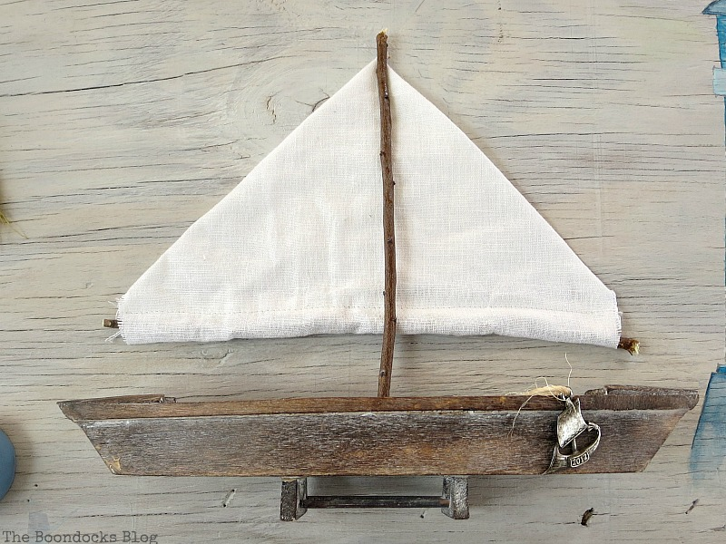 Sails made from fabric and twigs, Seaside Art from a hidden treasure in the dresser / www.theboondocksblog.com