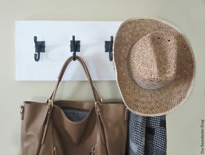 Wooden Wall Hanger with Hooks