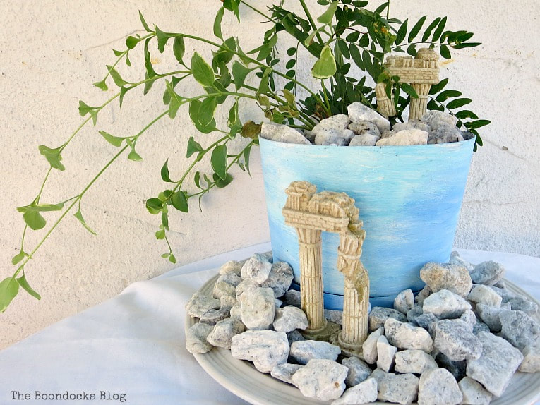 Planter with beach/ancient ruins look, Using Pebbles to Inspire My Love of the Beach www.theboondocksblog.com