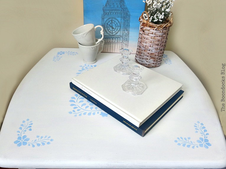 Table top with blue stencil, #Farmhousetable #stencilmakeover #floralstencil #upcycledfurniture How to Give your Old Table a New Look with Stencils, the boondocksblog.com