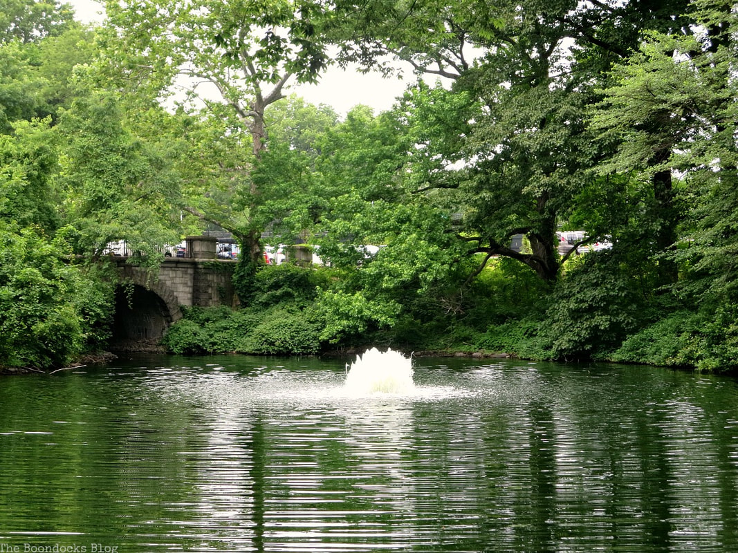 Twin lakes, The Greatest Botanical Garden in the World, www.theboondocksblog.com