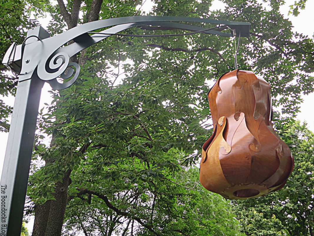 light sculpture, The Greatest Botanical Garden in the World, www.theboondocksblog.com