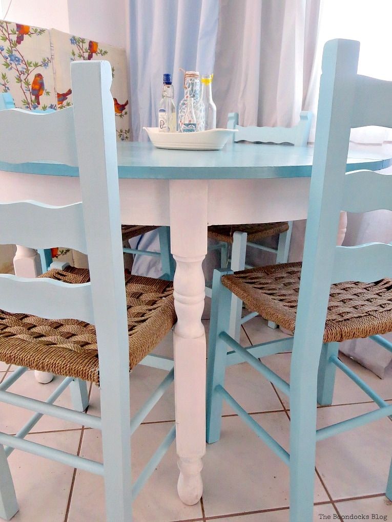 table and chairs, in various shades of blue, The tale of the Happy Chairs, www.theboondocksblog.com