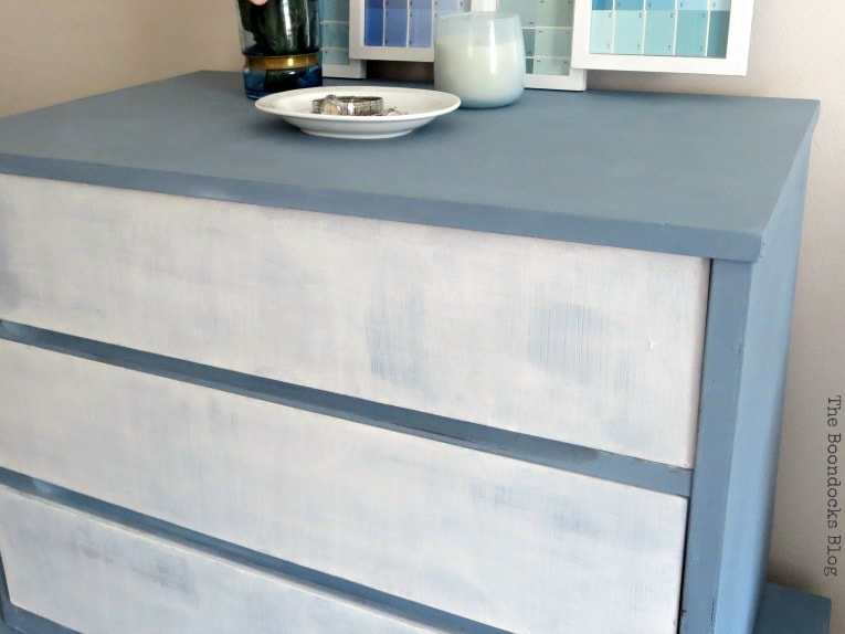 MCM dresser in white and slate, How to Pair MCM Furniture to Get One Unified Look www.theboondocksblog.com