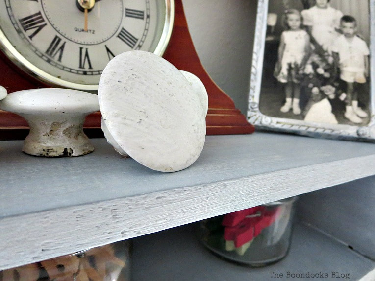Objects on shelf, A Super Easy Way to Add Shimmer to a Shelf, theboondocksblog
