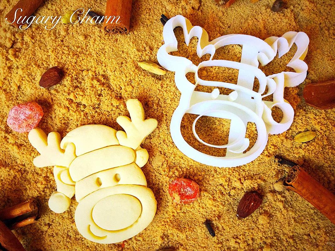 Ornament reindeer cookie cutter, Ten Amazing Hand-Made Gifts for $10 and Under www.theboondocksblog.com