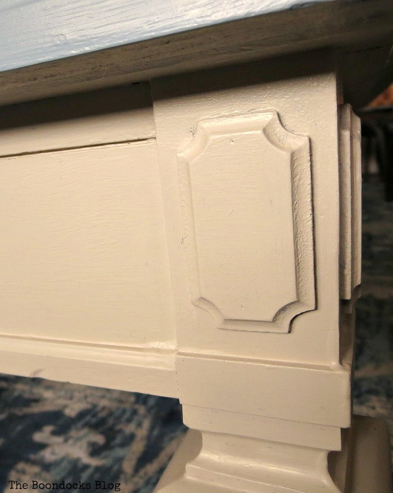 Details of the legs, How to Re-Invent your Old Coffee Table With Paint www.theboondocksblog.com