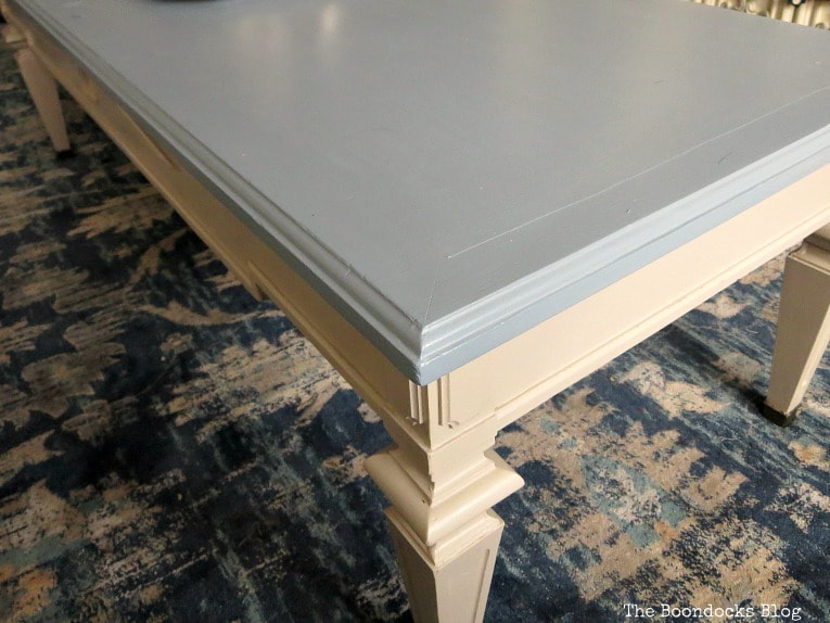 Against the rug colors, How to Re-Invent your Old Coffee Table With Paint www.theboondocksblog.com