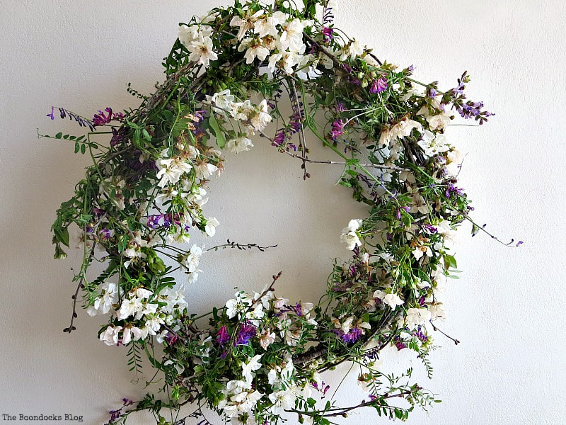 Natural May Day wreath, 35 Easy Spring Ideas to Inspire You www.theboondocksblog.com
