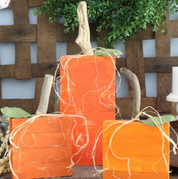 Pallet wood pumpkins